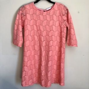 Everly Coral lace shift dress size small